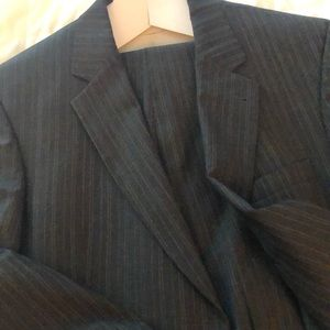 Pinned stripe suit excellent condition